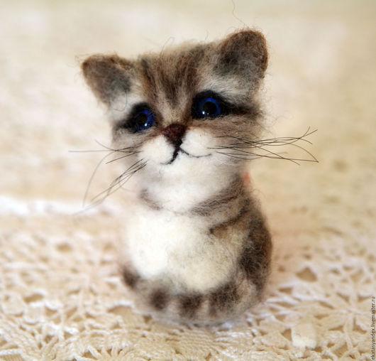 Броши ручной работы. Ярмарка Мастеров - ручная работа. Купить Брошь котенок. Handmade. Серый, шерсть