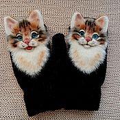 Аксессуары handmade. Livemaster - original item Zverovarezhki with a cat. Handmade.