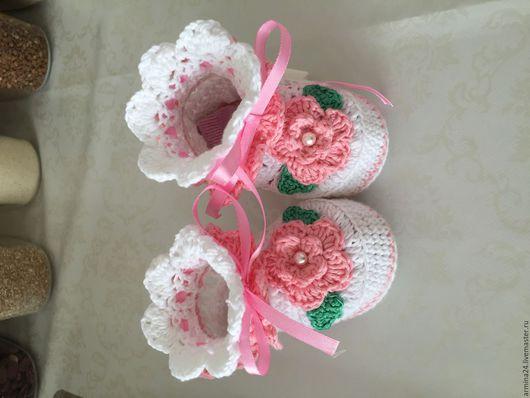 Для новорожденных, ручной работы. Ярмарка Мастеров - ручная работа. Купить Комплект для девочки пинетки и шапочка. Handmade. Белый