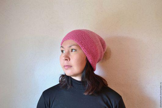 Розовая шапка бини. Шапка с переходом цвета. Объёмная шапка с помпоном. Купить шапку. Вязаная шапка на осень, весну, зиму. Вязание на заказ.