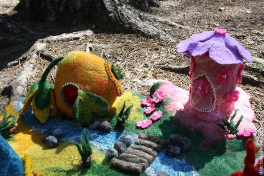 Вальдорфская игрушка ручной работы. Ярмарка Мастеров - ручная работа. Купить Игровой войлочный ландшафт, коврик.. Handmade. Разноцветный