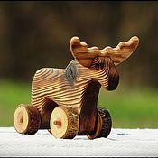 Куклы и игрушки ручной работы. Ярмарка Мастеров - ручная работа Лось деревянный - игрушка на колёсиках. Handmade.