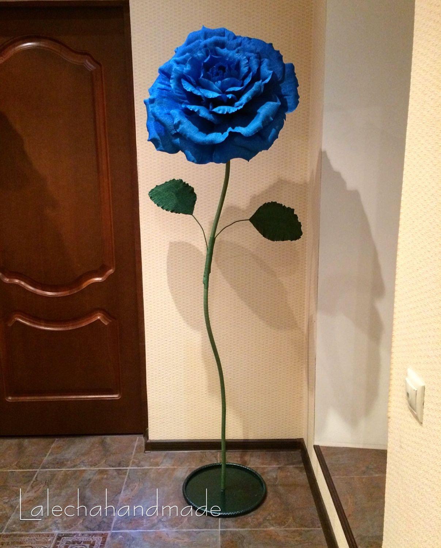 Большой цветок из гофрированной бумаги на пол своими руками 225