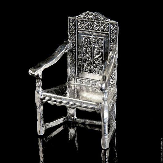 """Миниатюрные модели ручной работы. Ярмарка Мастеров - ручная работа. Купить Миниатюра """"Стул - трон"""". Handmade. Серебряный, стул, стульчик"""