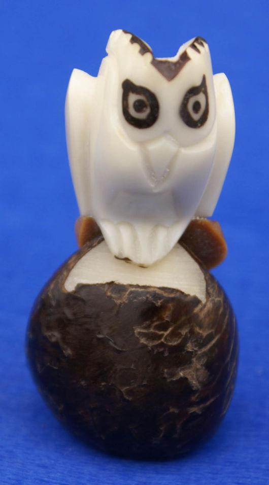 Статуэтки ручной работы. Ярмарка Мастеров - ручная работа. Купить Сова фигурка статуэтка птицы выточенная из ореха тагуа. Handmade.