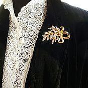 Винтаж ручной работы. Ярмарка Мастеров - ручная работа TRIFARI, винтажная брошь с хрусталём, 1960-е, США. Handmade.