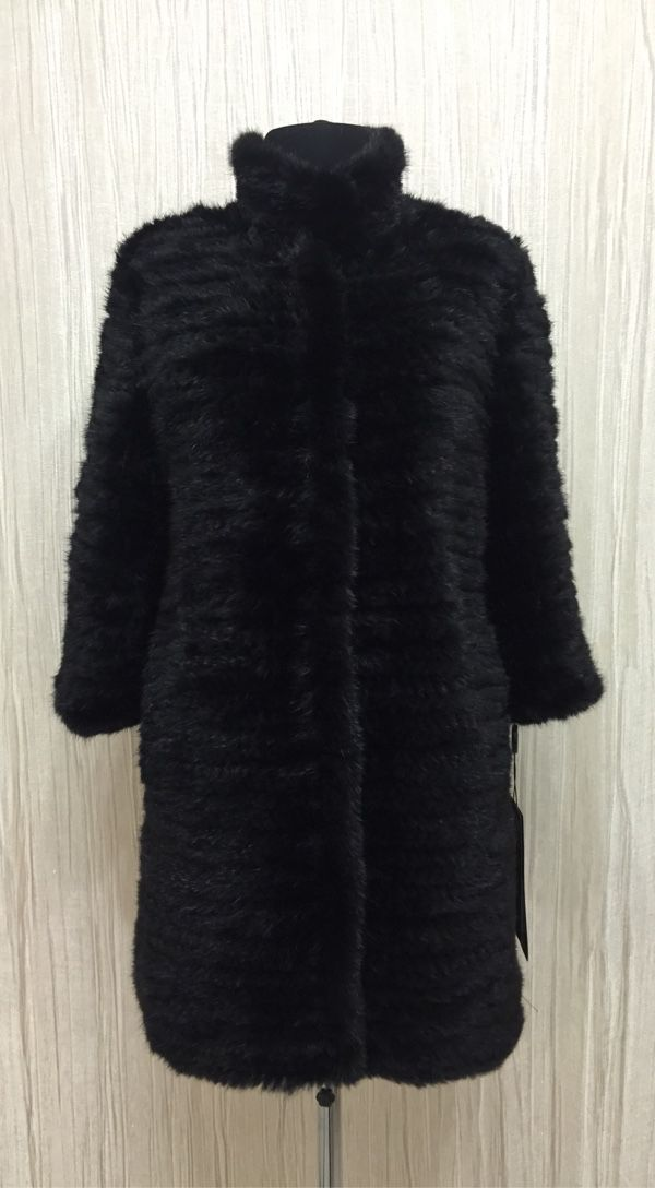 Coat of knitted mink