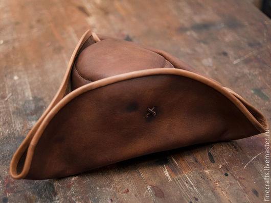 Шляпы ручной работы. Ярмарка Мастеров - ручная работа. Купить Пиратская треуголка. Handmade. Коричневый, пираты, шляпа, пиратская свадьба
