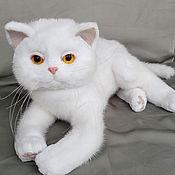 """Игрушка из натурального меха """" Белый Кот"""""""