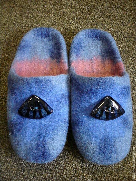 Обувь ручной работы. Ярмарка Мастеров - ручная работа. Купить валяные тапочки Ракушка. Handmade. Голубой, украшение, шерсть меринос