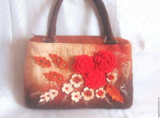 Валяная женская сумка, цветочный декор
