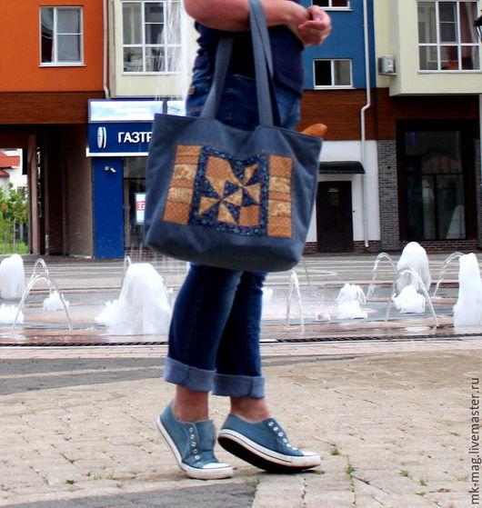"""Женские сумки ручной работы. Ярмарка Мастеров - ручная работа. Купить Лоскутная сумка """"В СТИЛЕ ДЕНИМ"""". Handmade. Комбинированный"""