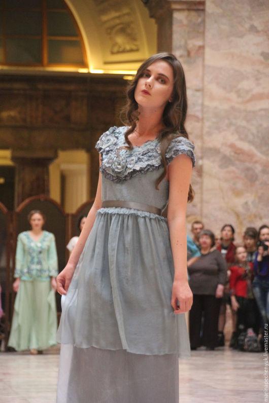 Валяное нарядное платье ` Серебряные лепестки` Марина Печенюк