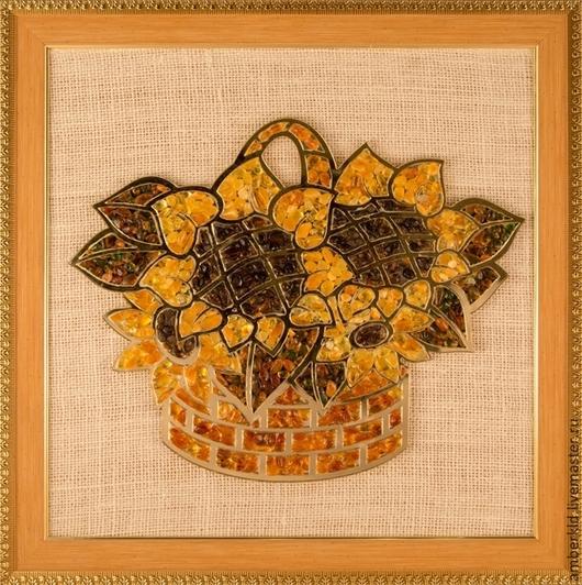 Панно выложено вручную натуральным янтарем. Оттенки янтаря для серединок, лепестков и листьев можно подобрать любые - на Ваш вкус. Это символ солнца, богатства, красоты, долгожительства и достатка!