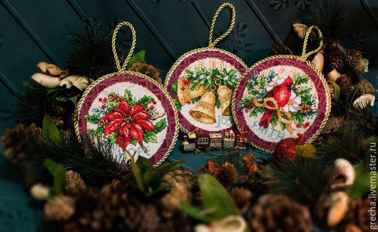 Новый год 2017 ручной работы. Ярмарка Мастеров - ручная работа. Купить Рождественские медальоны. Handmade. Медальоны, кардинал, Вышивка крестом