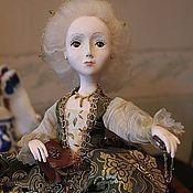 Куклы и игрушки ручной работы. Ярмарка Мастеров - ручная работа Кукла-интерьерная (будуарка) Ключи от сердца Помпадур. Handmade.