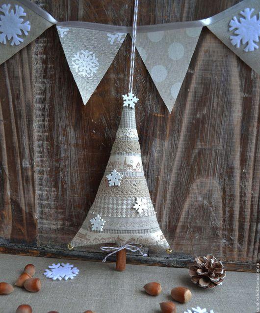 """Новый год 2017 ручной работы. Ярмарка Мастеров - ручная работа. Купить Новогодняя ёлочка """"Горожанка"""", елка текстильная, новогодний интерьер. Handmade."""