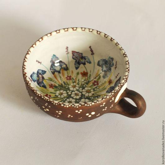 Кружки и чашки ручной работы. Ярмарка Мастеров - ручная работа. Купить Керамическая кружка чашка (майолика) Ирисы. Handmade. Разноцветный