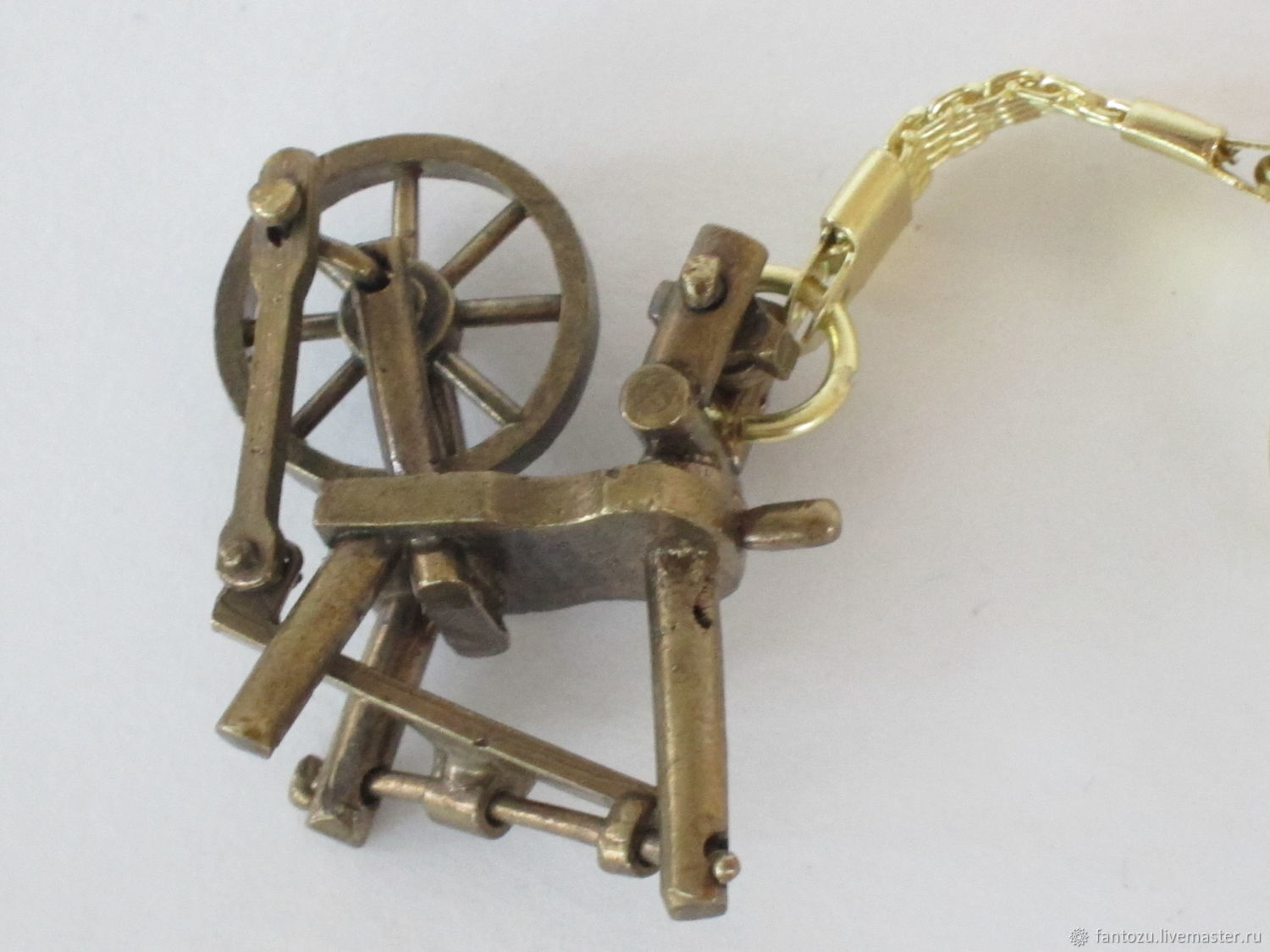 Brass keyring spinning Wheel, Key chain, Yaroslavl,  Фото №1