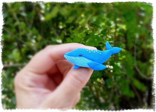 Броши ручной работы. Ярмарка Мастеров - ручная работа. Купить Голубой кит (брошь). Handmade. Комбинированный, брошь из полимерной глины