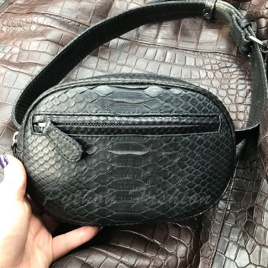 Waist bag made of Python Bag belt Python. Fanny pack from Python. Women's shoulder bag. Bag pouch from Python. Small waist bag. Fashionable handbag on a belt from Python. Pouch belt