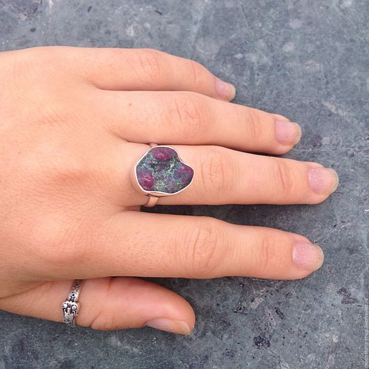 """Кольца ручной работы. Ярмарка Мастеров - ручная работа. Купить Кольцо """"Рубин в цоизите"""". Handmade. Кольцо с рубином, модное кольцо"""