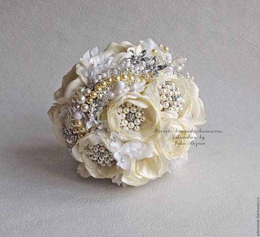 Свадебные цветы ручной работы. Ярмарка Мастеров - ручная работа. Купить Свадебный брошь-букет невесты. Белый брошь букет невесты.. Handmade.