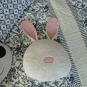 Для дома и интерьера ручной работы. Ярмарка Мастеров - ручная работа Зайка Подушка Обнимашка Мягкая игрушка. Handmade.