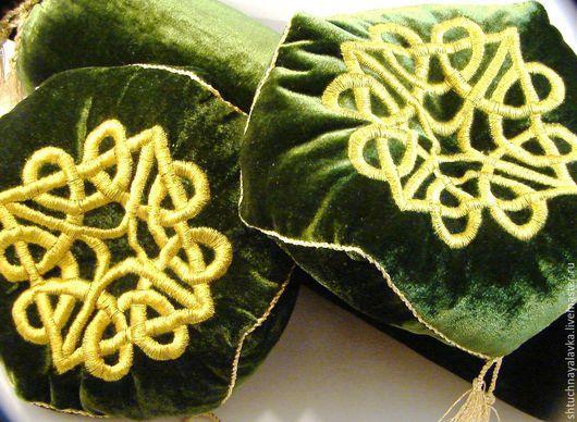 Текстиль, ковры ручной работы. Ярмарка Мастеров - ручная работа. Купить Диванная подушечка - Золотое шитье. Handmade. Болотный