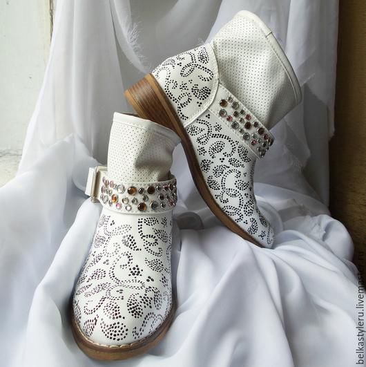 """Обувь ручной работы. Ярмарка Мастеров - ручная работа. Купить Сапоги женские демисезонные с ручной росписью """"Огурцы"""". Handmade."""