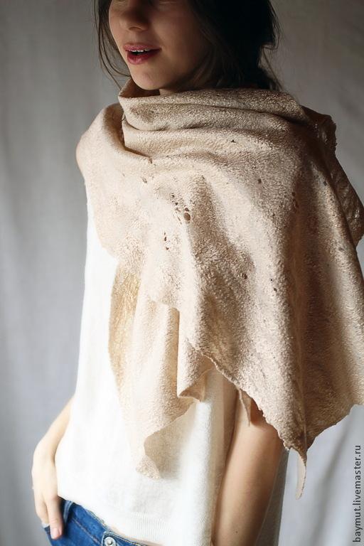 Шали, палантины ручной работы. Ярмарка Мастеров - ручная работа. Купить Бежевый шарф-паутинка. Handmade. Палантин, медовый цвет