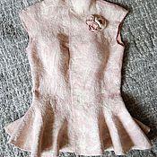 """Одежда ручной работы. Ярмарка Мастеров - ручная работа Жилет из войлока и шелка """"Powdery rose"""". Handmade."""