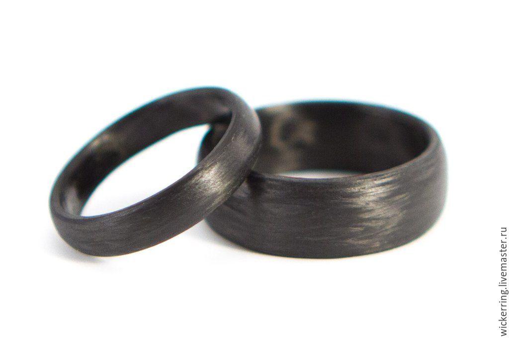 Обручальные кольца из карбона от WickerRing