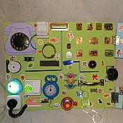 Куклы и игрушки ручной работы. Ярмарка Мастеров - ручная работа Развивающая доска. Бизиборд. Handmade.