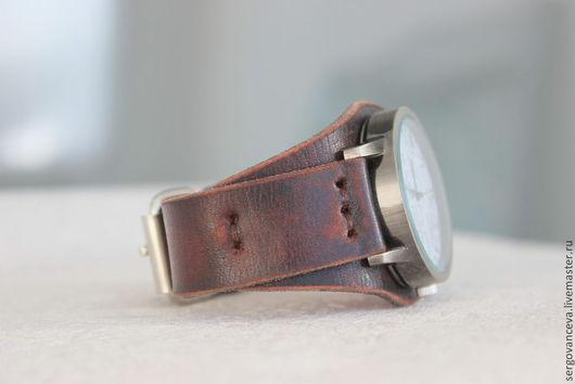 """Часы ручной работы. Ярмарка Мастеров - ручная работа. Купить Часы на широком кожаном ремешке """"Ретро"""". Handmade. Коричневый"""