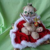 Мягкие игрушки ручной работы. Ярмарка Мастеров - ручная работа Вязаная Кошка Императрица Анетта. Handmade.