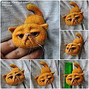 Украшения ручной работы. Ярмарка Мастеров - ручная работа Валяные броши-коты, для примера. Handmade.