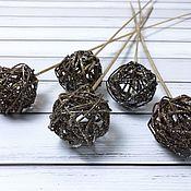 Декор для флористики ручной работы. Ярмарка Мастеров - ручная работа Шар плетёный коричневый на вставке. Handmade.