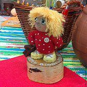 """Куклы и игрушки ручной работы. Ярмарка Мастеров - ручная работа """"Домовенок Кузя идет в школу"""" Подставка для ручек.. Handmade."""