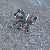 Украшения handmade. Livemaster - original item Bow brooch with emerald and sapphire, silver and gold. Handmade.