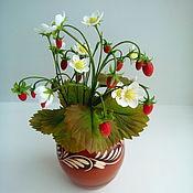 Цветы и флористика ручной работы. Ярмарка Мастеров - ручная работа Лесная земляника из холодного фарфора. Handmade.