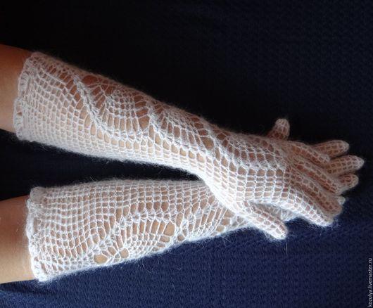 Варежки, митенки, перчатки ручной работы. Ярмарка Мастеров - ручная работа. Купить Перчатки  длинные пуховые вязанные. Handmade. Белый