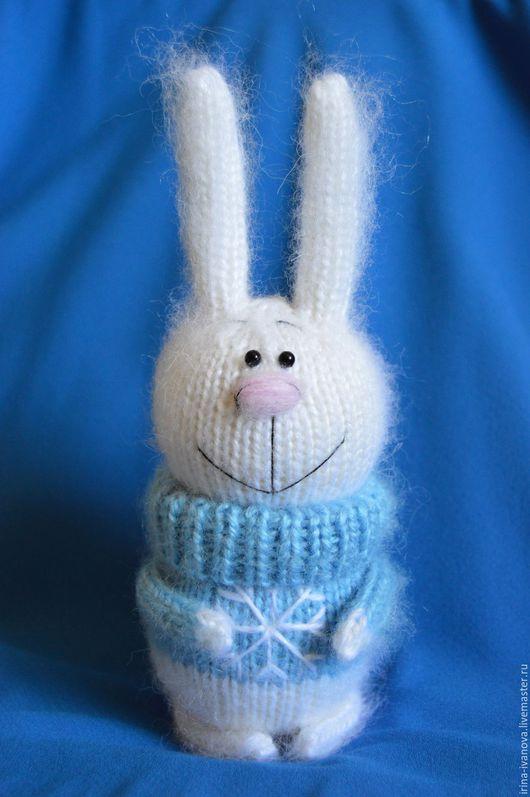 Игрушки животные, ручной работы. Ярмарка Мастеров - ручная работа. Купить Зайчик в голубом свитере.. Handmade. Голубой, Заяц в подарок
