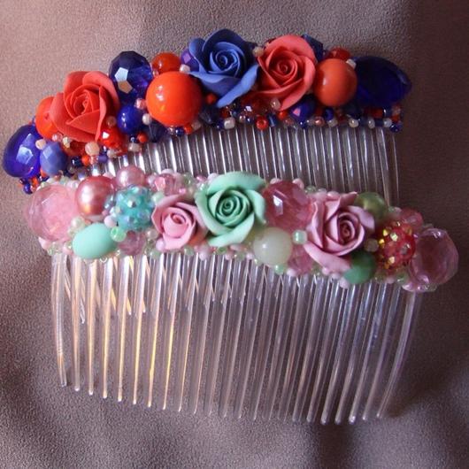 Заколки ручной работы. Ярмарка Мастеров - ручная работа. Купить Гребень для волос с розами из полимерной глины, бусинами и бисером. Handmade.
