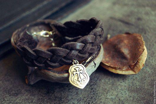 Браслеты ручной работы. Ярмарка Мастеров - ручная работа. Купить Браслет из кожи Герб женский мужской кожаный плетеный браслет. Handmade.