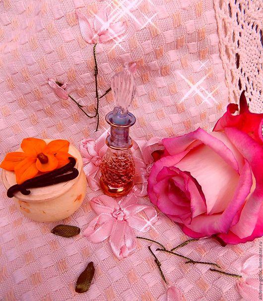 Фотосессию украсила милая баночка ` Ваниль ` любовно сделаная мастером http://www.livemaster.ru/Sharlotka-Blues