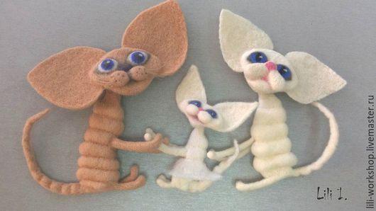 Игрушки животные, ручной работы. Ярмарка Мастеров - ручная работа. Купить Котята - магниты или брошки. Handmade. Комбинированный