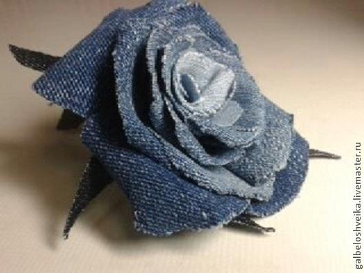 Броши ручной работы. Ярмарка Мастеров - ручная работа. Купить Джинсовая роза. Handmade. Синий, цветы из ткани, флористика