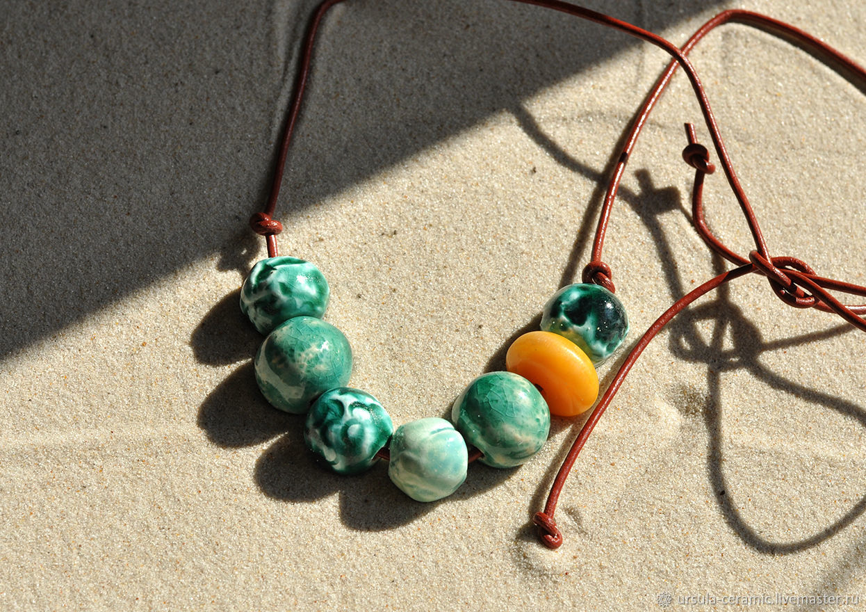 Бусы керамические Морская волна. керамика ручной работы