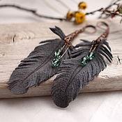 Серьги классические ручной работы. Ярмарка Мастеров - ручная работа Серьги-перья из кожи. Handmade.
